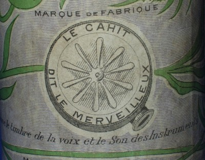 Close-up Le Cahit cylinder carton back, illustrating Cahit's Bettini-style reproducer.